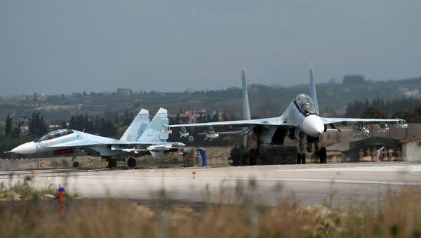 Ruski lovci Su-30 u vojnoj bazi Hmejmim u Siriji - Sputnik Srbija