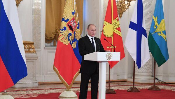 Председник Русије Владимир Путин обраћа се војницима који су учествовали у операцијама у Сирији - Sputnik Србија
