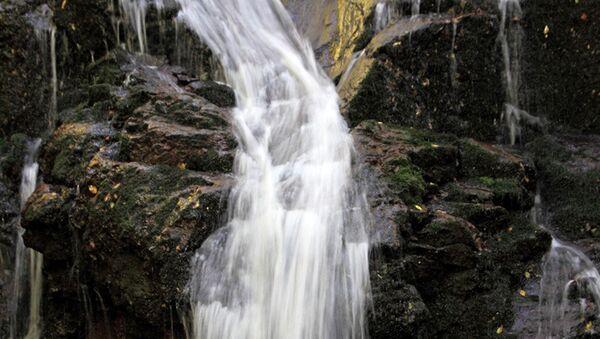 Извор у Пролому, ова вода се у Русији продаје искључиво у апотекама. - Sputnik Србија