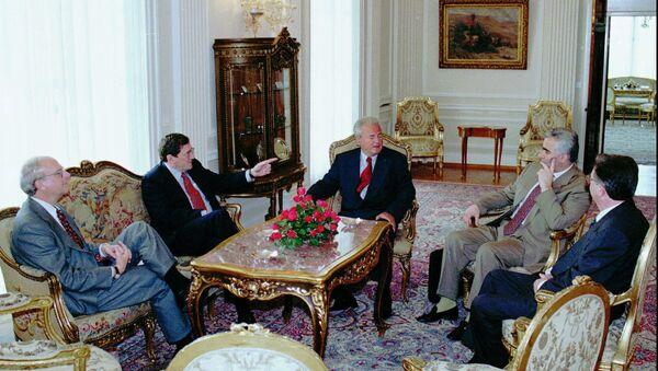 Ričard Holbruk i Slobodan Milošević  1997. - Sputnik Srbija