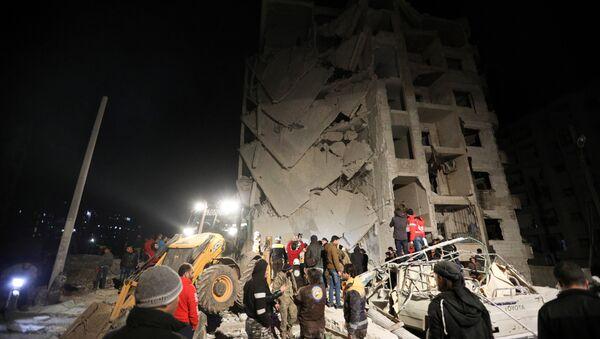 Hitna pomoć traži žrtve eksplozije u sirijskom Idlibu - Sputnik Srbija