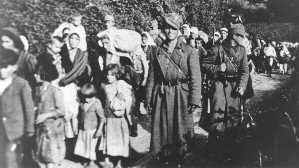 Усташе спровoде децу и жене са Козаре - Sputnik Србија