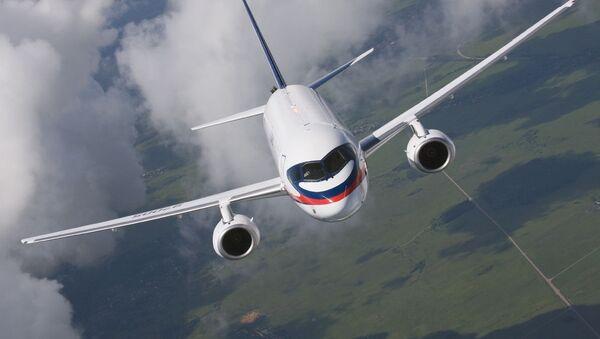 Путнички авион Сухој суперџет ССЈ-100 - Sputnik Србија