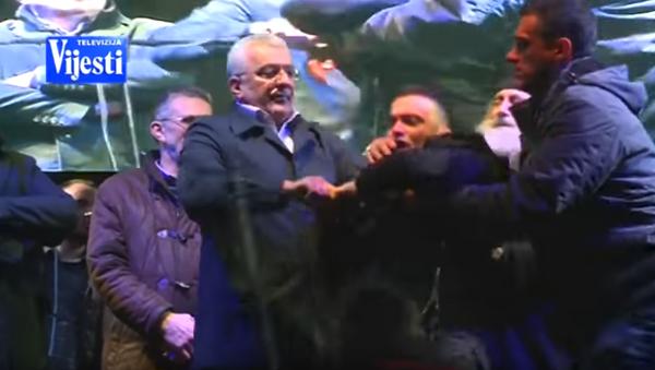 Incident na dočeku pravoslavne Nove godine u Podgorici. - Sputnik Srbija