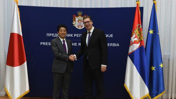 Премијер Јапана Шинзо Абе и председник Србије Александар Вучић - Sputnik Србија