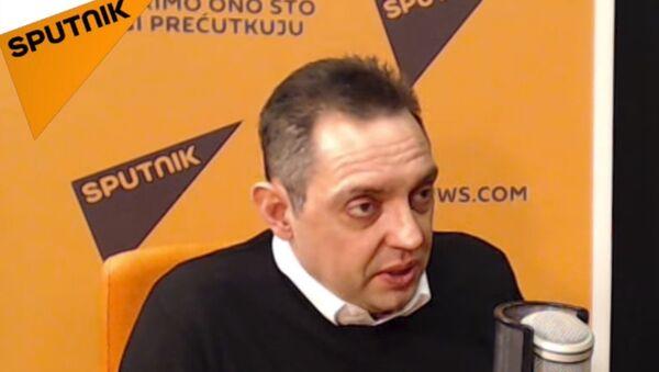 Ministar odbrane Srbije Aleksandar Vulin tokom intervjua Sputnjiku - Sputnik Srbija