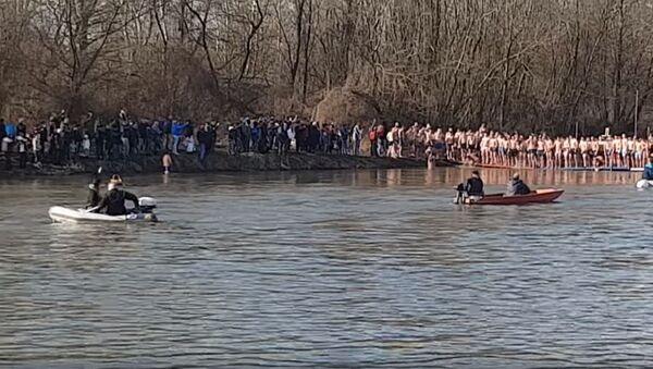 Poništena trka za časni krst - Sputnik Srbija