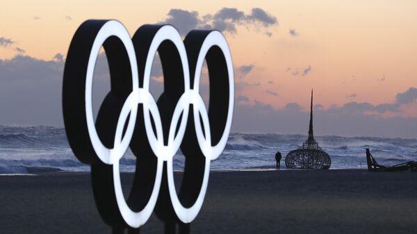 Olimpijski krugovi na plaži u Gangneungu u Južnoj Koreji - Sputnik Srbija