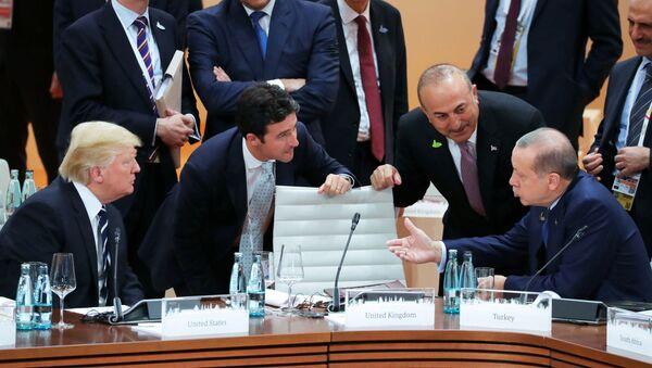 Predsednik SAD Donald Tramp i predsednik Turske Redžep Tajip Erdogan - Sputnik Srbija