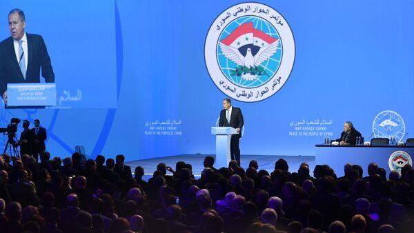 Ministar spoljnih poslova Rusije Sergej Lavrov obraća se učesnicima Kongresa nacionalnog dijaloga Sirije u Sočiju - Sputnik Srbija