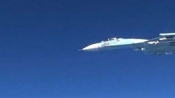 Руски авион Су-27 пресреће амерички авион РЦ-135У који лети у ваздушном простору изнад Балтичког мора - Sputnik Србија