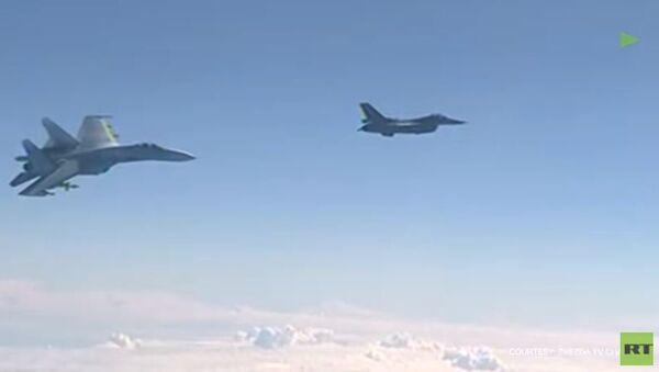 Блиски сусрети руских и НАТО авиона у међународном ваздушном простору - Sputnik Србија