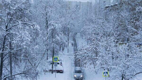 Јак снег нападао у Москви - Sputnik Србија