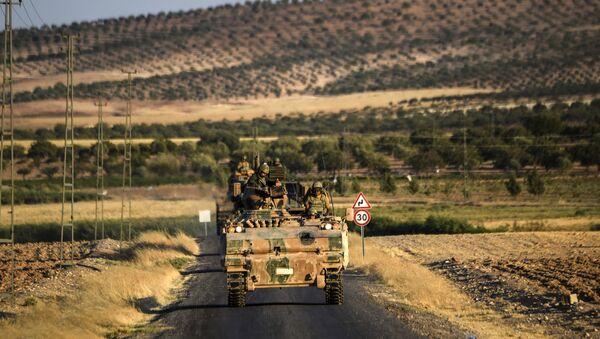 Turski tenkovi kod tursko-sirijske granice - Sputnik Srbija