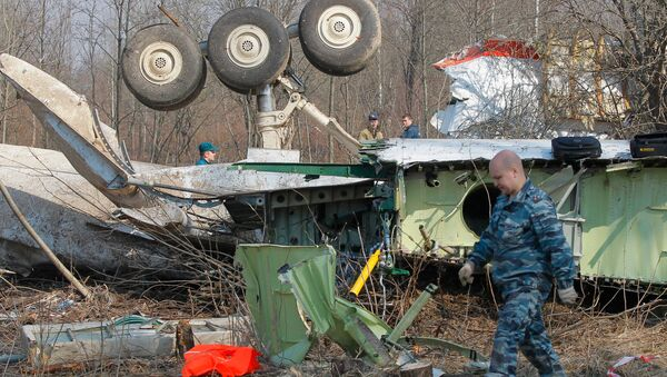Spasilačke ekipe na mestu pada aviona poljske vlade Tu-154 - Sputnik Srbija