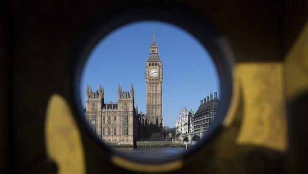 Pogled na Vestminstersku palatu u Londonu - Sputnik Srbija