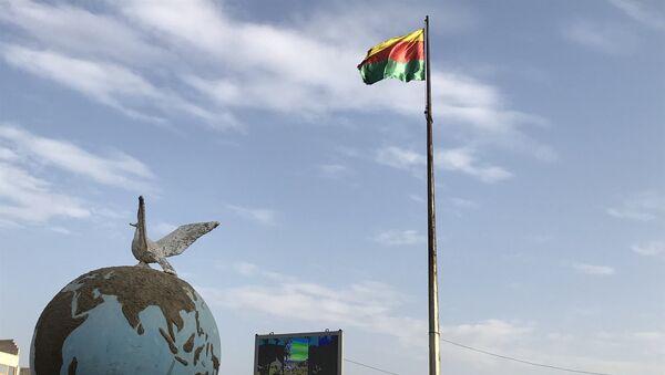 Застава Курдистана на централном тргу у сиријском Африну - Sputnik Србија