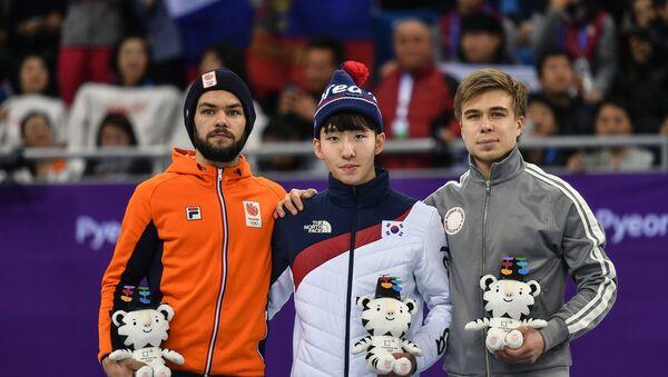 Zimske olimpijske igre u Pjongčangu, klizač na brzim stazama Semjon Elistratov i sportisti iz Južne Koreje i Holandije - Sputnik Srbija