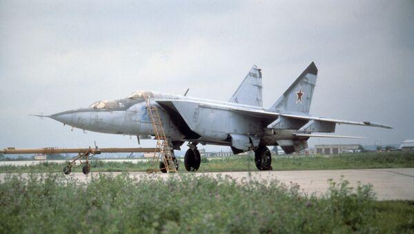 Sovjetski lovac-presretač MiG-25 - Sputnik Srbija