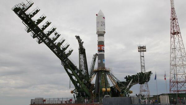 Raketa-nosač Sojuz 2.1a na lansirnoj rampi kosmodroma Bajkonur - Sputnik Srbija
