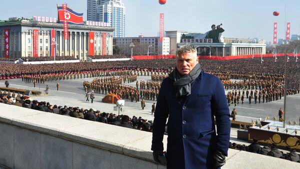 Новинар Мирослав Лазански на паради Пјонгјангу, Северна Кореја - Sputnik Србија