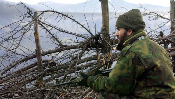 Pripadnik tzv. Oslobodilačke vojske Kosova na položaju u Makedoniji, 2001. godina - Sputnik Srbija