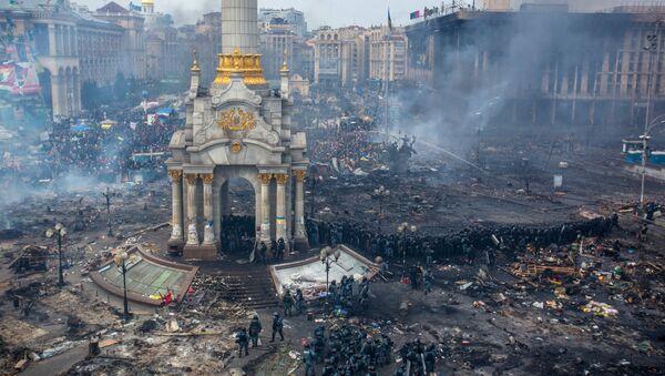 Sukob policije i demonstranata na Trgu nazavisnosti (Majdanu) u Kijevu - Sputnik Srbija