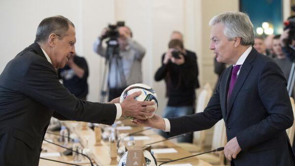 Ministri spoljnih poslova Rusije i Belgije Sergej Lavrov i Didije Rejnders tokom sastanka u Moskvi - Sputnik Srbija