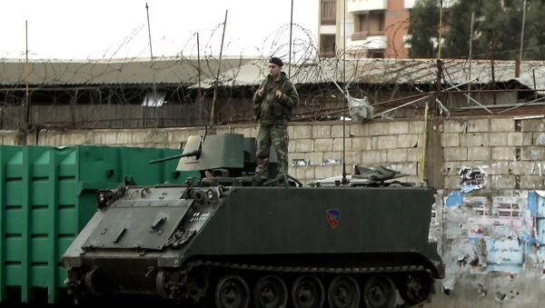 Libanski vojnik na oklopnom vozilu M-113 u Bejrutu - Sputnik Srbija