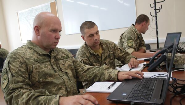 Ruski vojnici za kompjuterom - Sputnik Srbija