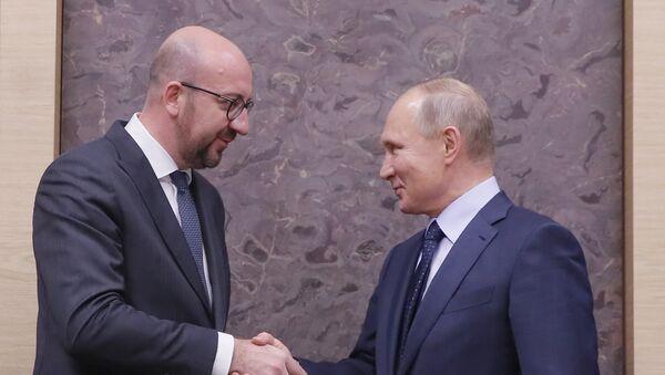 Премијер Белгије Шарл Мишел и председник Русије Владимир Путин током састанка у Москви - Sputnik Србија