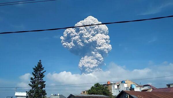 Erupcija vulkana Sinabung - Sputnik Srbija