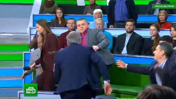 Tuča u emisiji - Sputnik Srbija