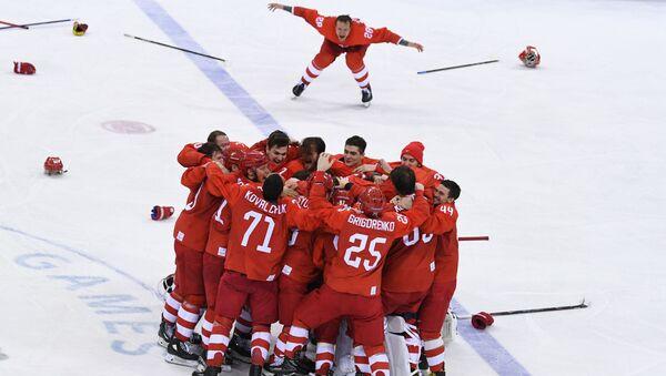 Руски хокејаши прослављају злато на ЗОИ у Пјонгчангу - Sputnik Србија