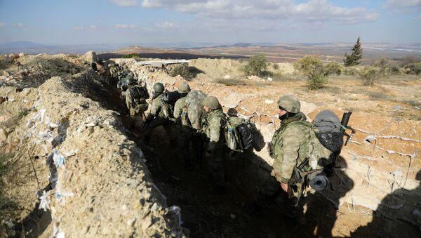 Turske snage na planini Barsaja severoistočno od Afrina u Siriji - Sputnik Srbija