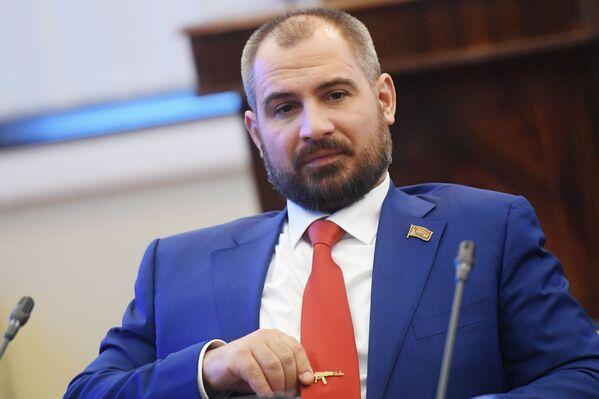 Kandidat za predsendika Rusije Maksim Surajkin - Sputnik Srbija