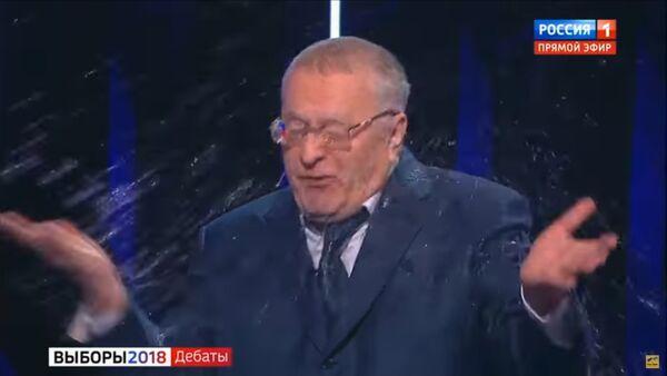 Ruski predsednički kandidat Vladimir Žirinovski tokom televizijske debate - Sputnik Srbija