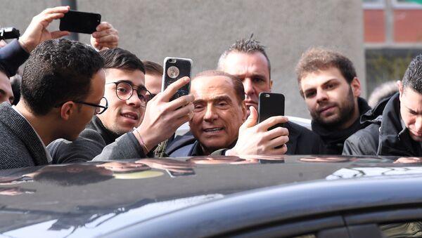 Силвио Берлускони на дан избора у Италији - Sputnik Србија