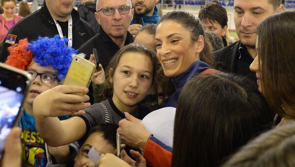 Ивана Шпановић са децом - Sputnik Србија
