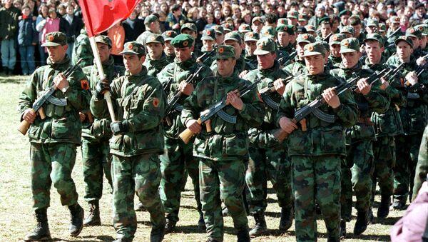 Pripadnici teroristčke organizacije OVK prilikom odavanja počasti Ademu Jašariju - Sputnik Srbija