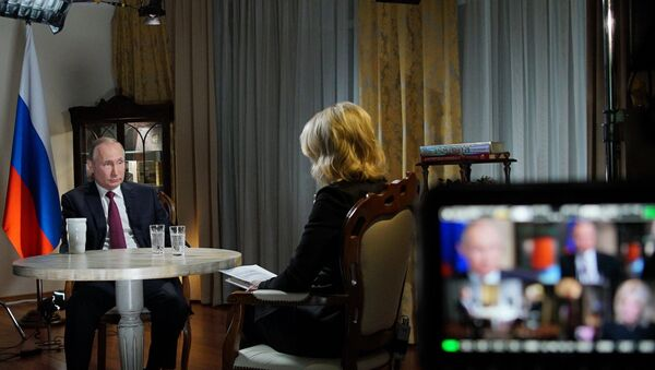 Predsednik Rusije Vladimir Putin tokom intervjua za televiziju En-Bi-Si - Sputnik Srbija