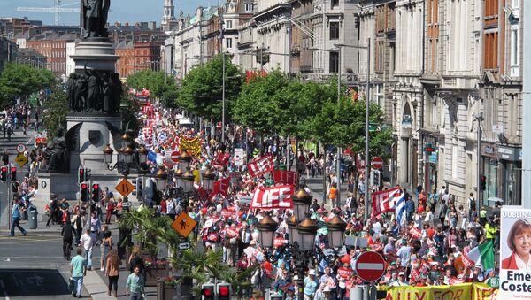 Protest protiv abortusa u Dablinu 9. juna 2015. - Sputnik Srbija