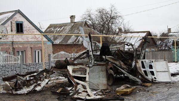 Automobil uništen prilikom granatiranja Donjecke oblasti - Sputnik Srbija