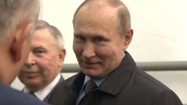 Vladimir Putin odgovara novinaru Bi-Bi-Sija - Sputnik Srbija