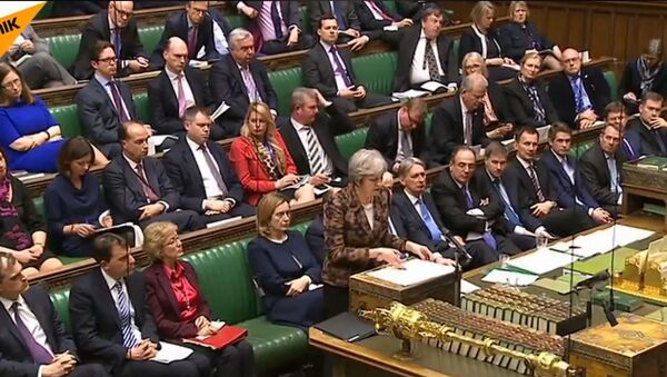 Tereza Mej  optužuje Rusiju u britanskom parlamentu - Sputnik Srbija