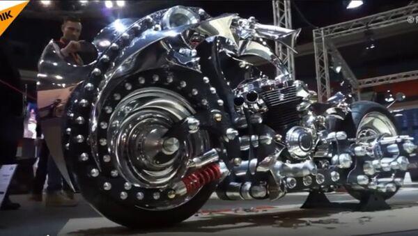 Ručno napravljeni motor predstavljen u Rusiji - Sputnik Srbija