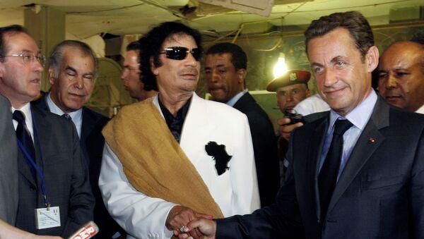 Nikola Sarkozi i Muamer Gadafi - Sputnik Srbija