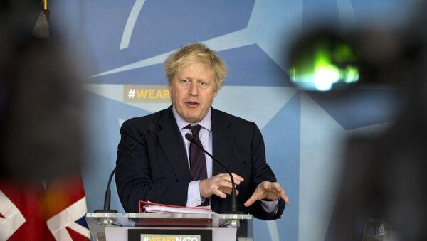 Ministar spoljnih poslova Velike Britanije Boris Džonson na konferenciji za medije u sedištu NATO-a - Sputnik Srbija
