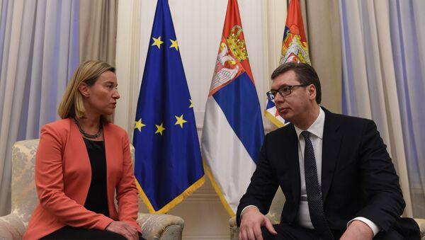 Председник аАлександар Вучић са високом представницом ЕУ Федериком Могерини - Sputnik Србија