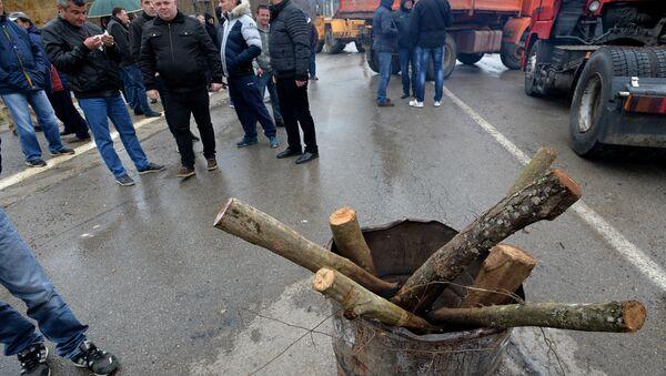 Barikade koje su postavili Srbi u Rudaru, KiM - Sputnik Srbija